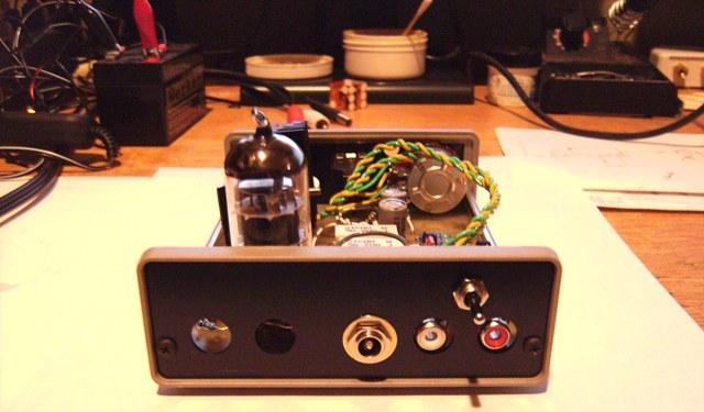 diy 12au7 (ecc82) tube irf612 mosfet hybrid headphone amplifier altoid amplifier schematic diy tube mosfet headphone amp