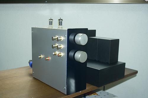 照片06   完成5687前置放大器和rca-83电源供应器